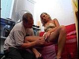 Blondine fickt auf der Castingcouch