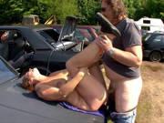 Dicke deutsche Frau wird Outdoor gefickt