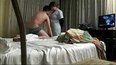 Der Fick mit einem Zimmermädchen wird heimlich gefilmt
