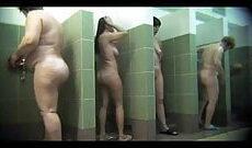 Heimliche Aufnahmen von einem Spanner in der Frauendusche