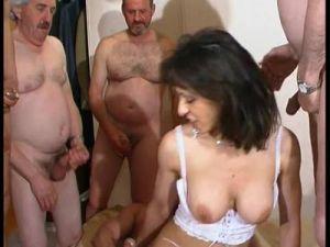 Französische Gangbang Orgie